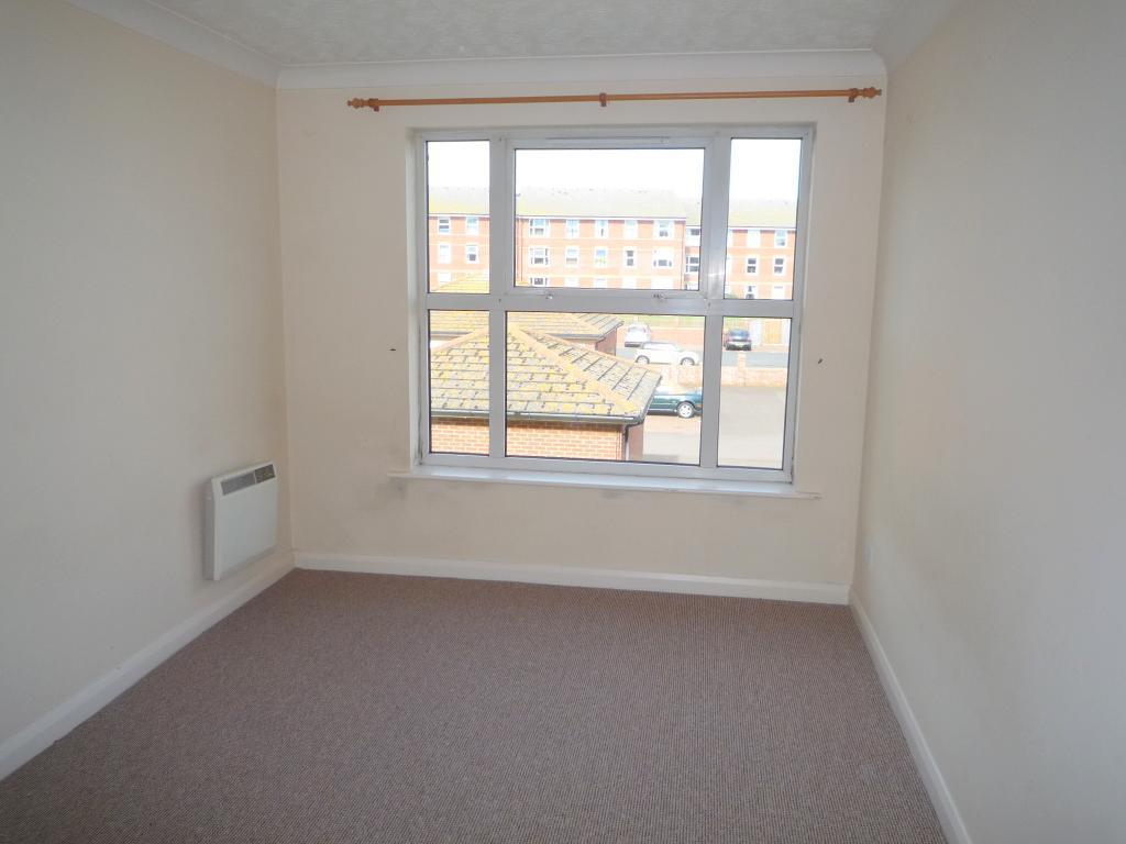 1 Bedroom Upper Floor Flat to Rent in Seaford, BN25 1AW