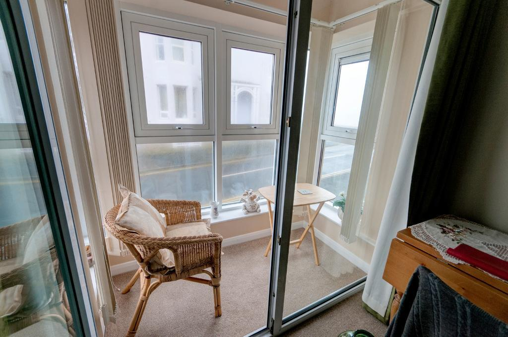 1 Bedroom Retirement flat for Sale in Seaford, BN25 1JP