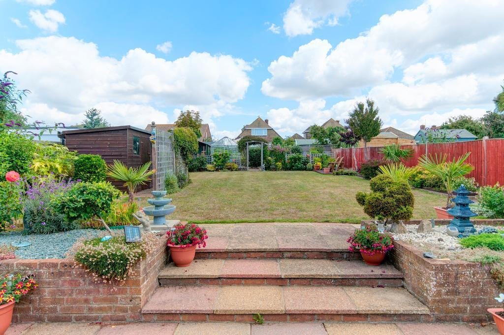4 Bedroom House for Sale in Seaford, BN25 2NE