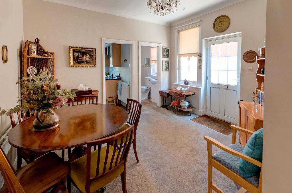 2 Bedroom Flat for Sale in Seaford, BN25 1SJ