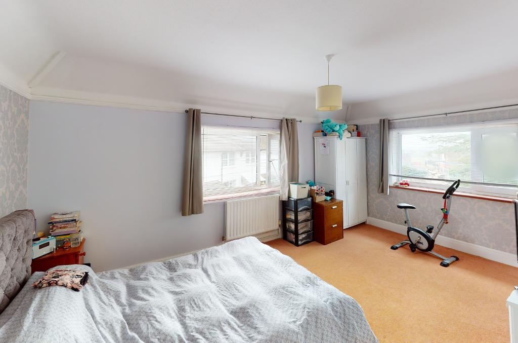 4 Bedroom House for Sale in Seaford, BN25 1AG