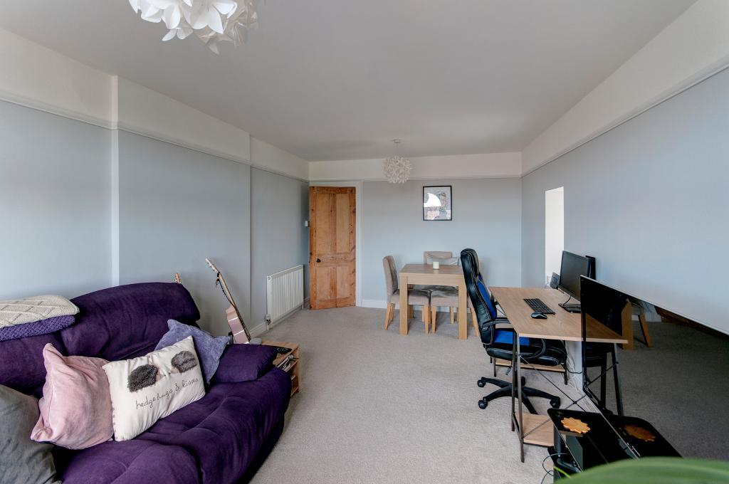 2 Bedroom Flat for Sale in Seaford, BN25 1DU