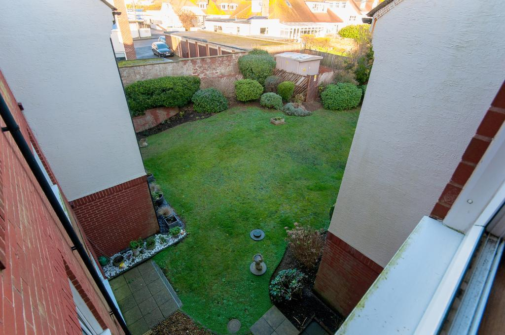 1 Bedroom Retirement flat for Sale in Seaford, BN25 2PN