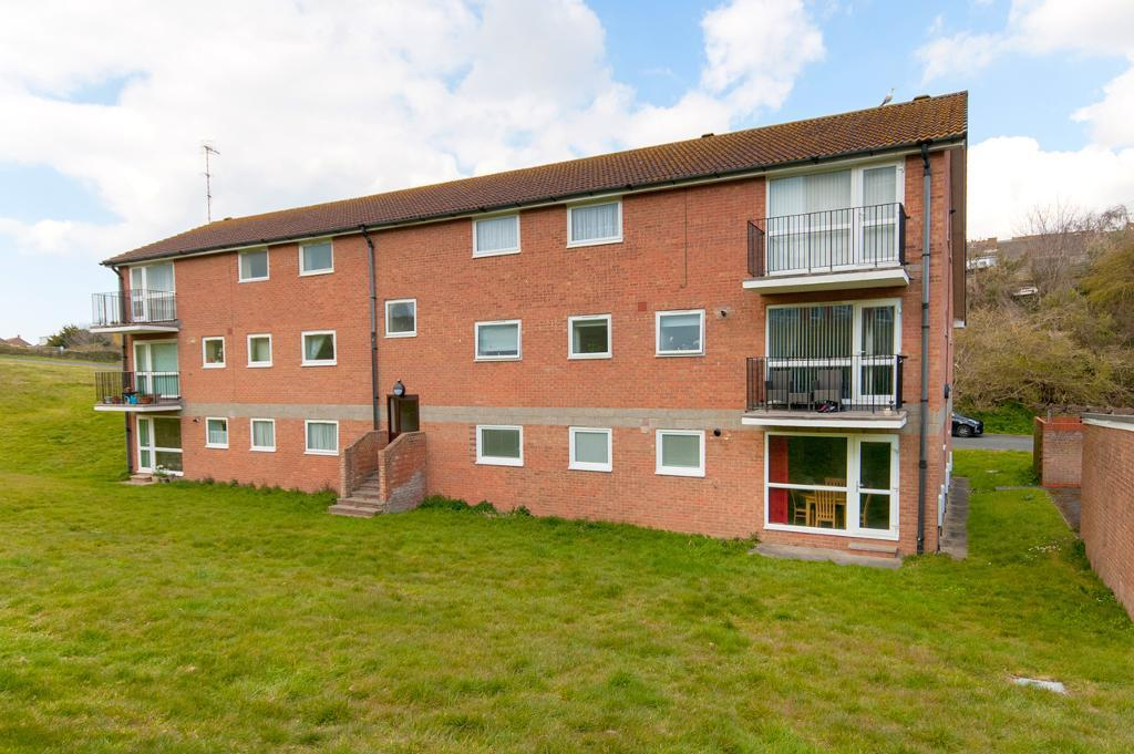 2 Bedroom Flat for Sale in Seaford, BN25 2PB