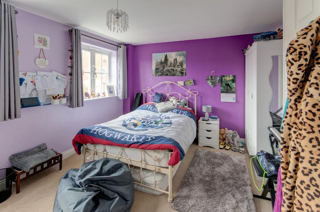 4 Bedroom House for Sale in Seaford, BN25 3ER